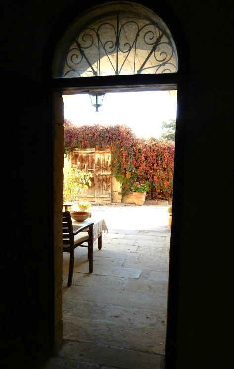 DSCN0262.jpg edit, thru our portico door to sunny courtyard at Esbelli Evi.jpg flip